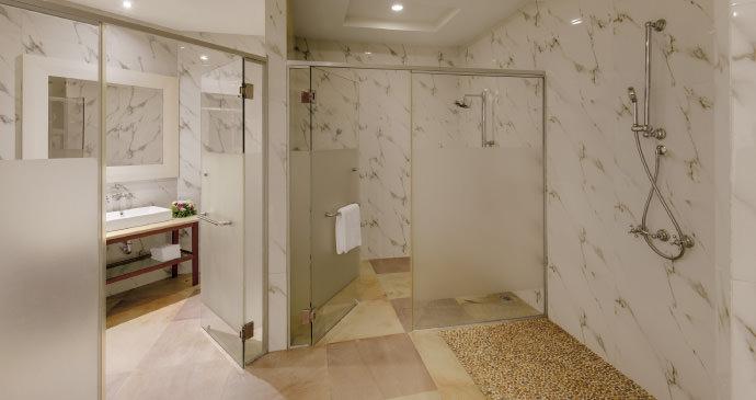 Yihup Villa Suite Bathroom